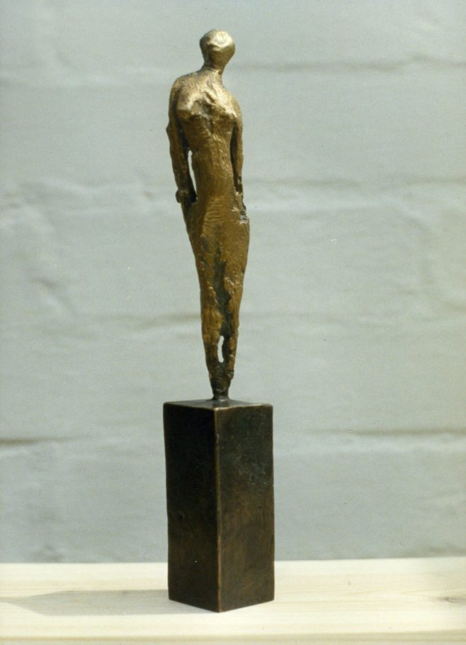 REACHING FIGURE . 17X12X4 CM  BRONZE.  EDITION 6 . £950